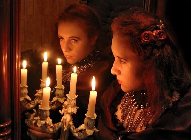 Гадания на Святки на зеркале.